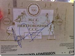 l200 lara autograph
